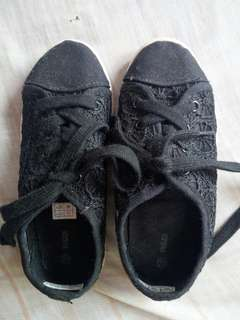 Lace rubber shoes for girls