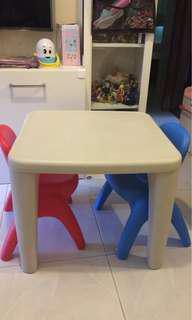 Grow'n up 兒童桌椅