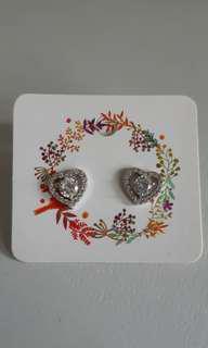 水晶心型耳環 heart shape earrings