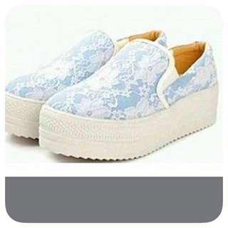 日本粉藍色蕾絲休閒鞋