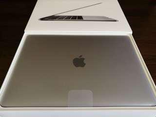 New Apple Macbook Pro 2017