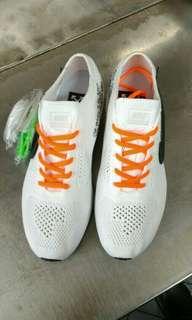 Nike 白色球鞋 us10.5可穿