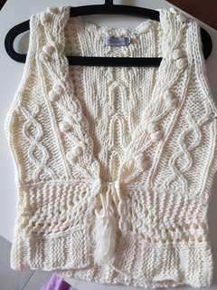Crochet kintted vest