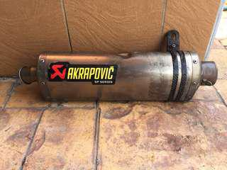 Akraprovic versys slip on exhaust