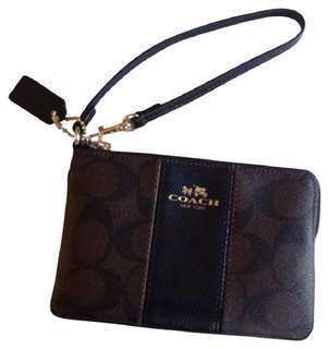 Authentic coach leather wristlet bnew