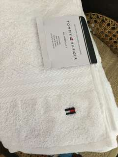 Tommy hillfiger bath towel