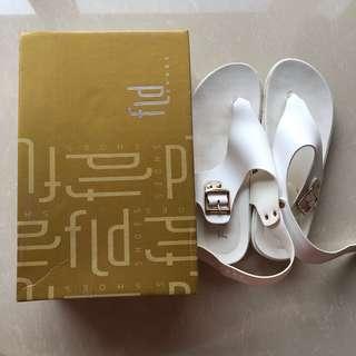 FLD Sandals ❤️