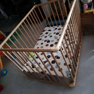Geuther Baby Bed n playpen