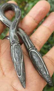 besi bunga kantil kembar berpamor
