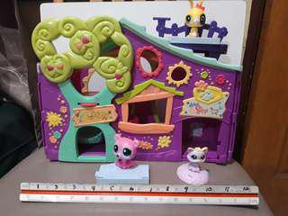 Littlest Petshop Playhouse Set plus 3 pets