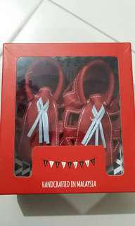 Red baby shoes 6-12m