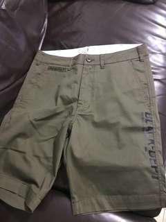 💯 % new-Chocoolate 軍綠色短褲