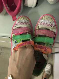 Twinkle toes #Wintercoat #jacket #musimdingin #coat #bajuanak #dressanak #sarungbantal #babies #picardbebe #sogo #dressanak #gingersnap #zarakids #nextkids #bajuanak