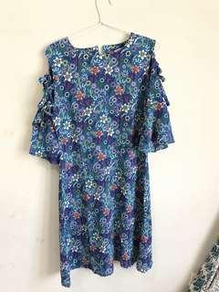 Flowery blue dress