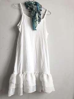 White tank dress scraf