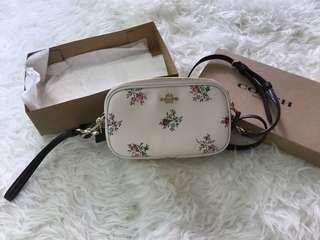 New coach floral 小手袋