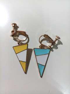 🚚 繽紛三角形耳夾
