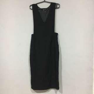 Dress - Black Jumperskirt / Jumpskirt
