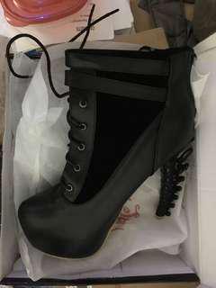 Gothic Vertebral Heels