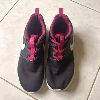 Auth Nike shoes pre❤️