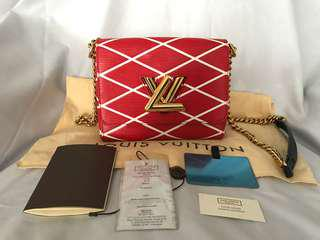 Mint cond authentic LV epi malletage twist red