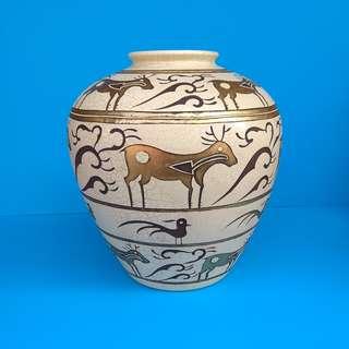 Ornamental Porcelain Deers Design Flower Vase Greek Pattern Hand-painted Wine Jar