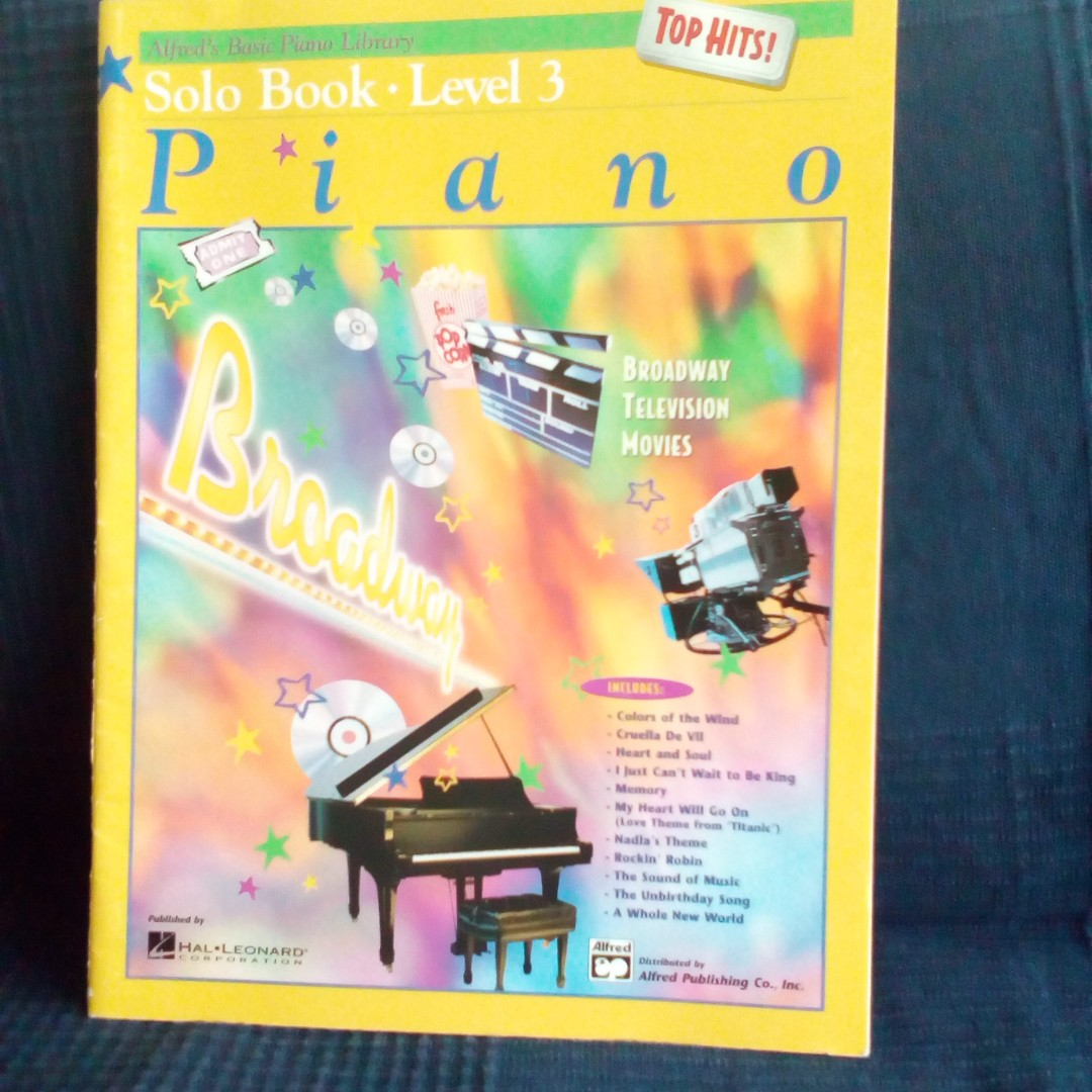 Alfred's Basic Piano Library Solo Book Level 3 Piano Top Hits