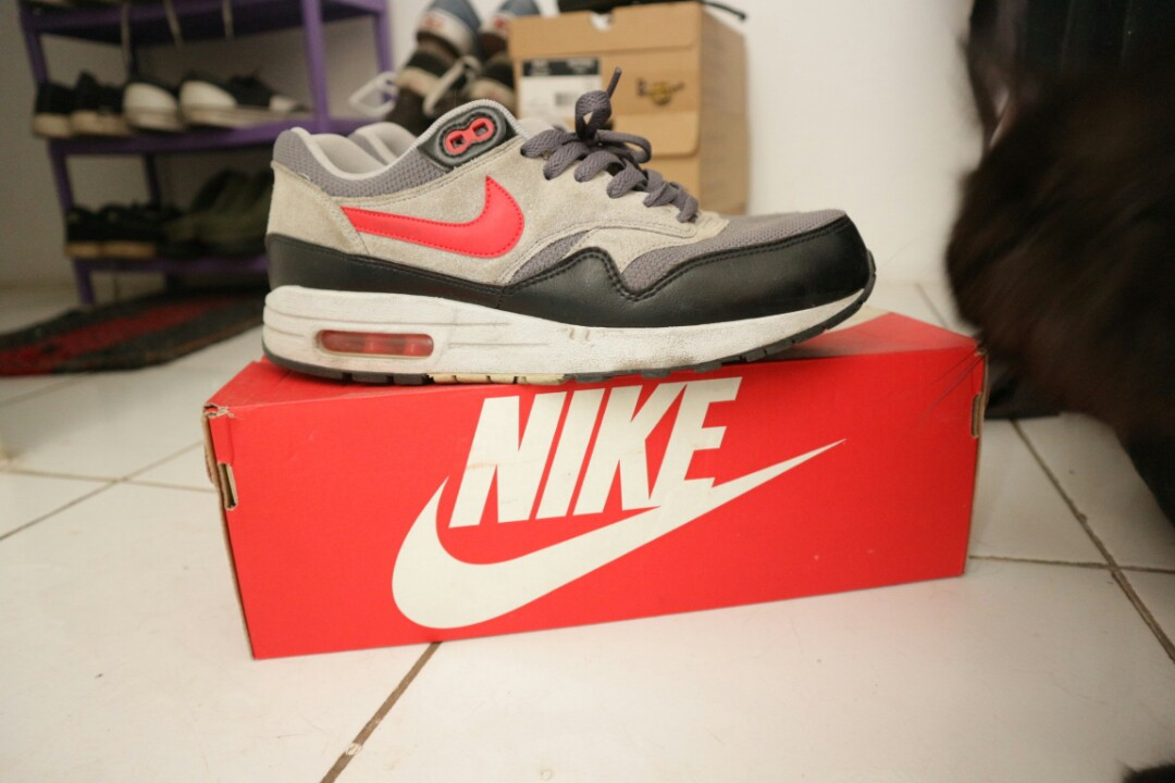 284e7bdd11 Jual Nike Airmax 1 Essential size US 8.5, Men's Fashion, Men's ...