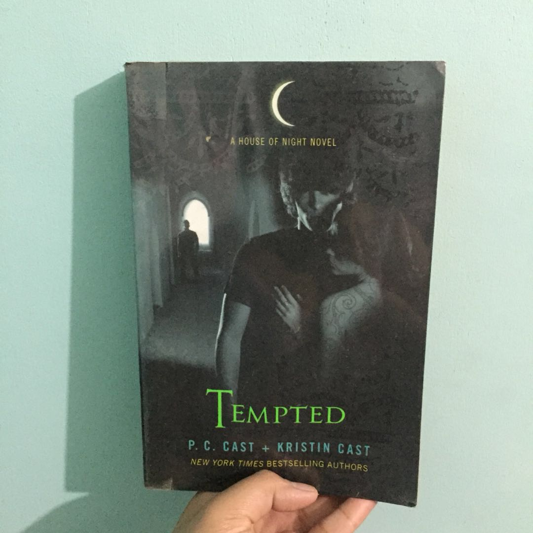 Pre Loved Books For Sale House Of Night Series Books Books On