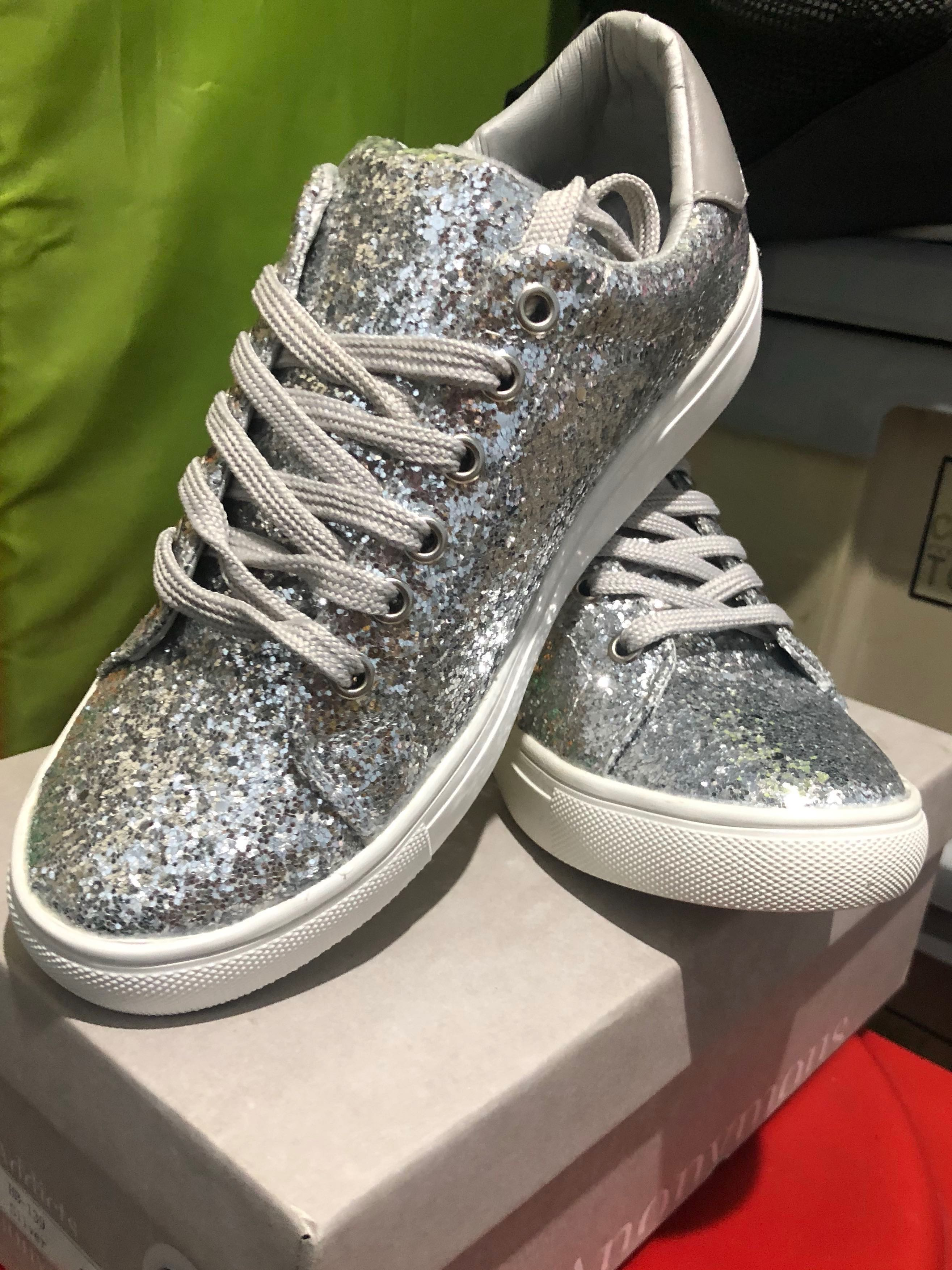 f15267aaac69 Silver Glitter Sneaker, Women's Fashion, Shoes, Sneakers on Carousell