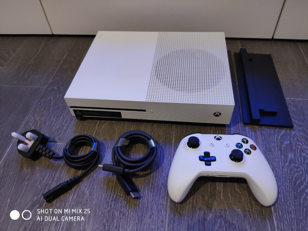 Xbox one S 2TB console (used), Toys & Games, Video Gaming