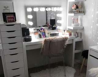 Super sale Vanity set