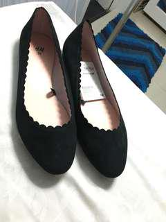 Flat shoes hnm hitam size 39