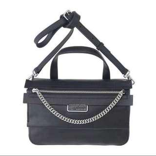 Marc Jacobs Top Of The Chain Satchel in Black