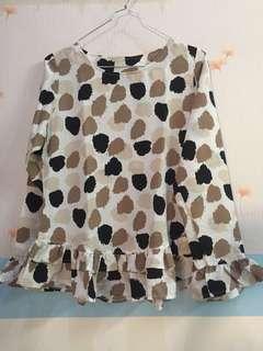 Creamy blouse motif