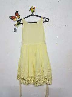 Little Miss / SM tag / Yellow Dress
