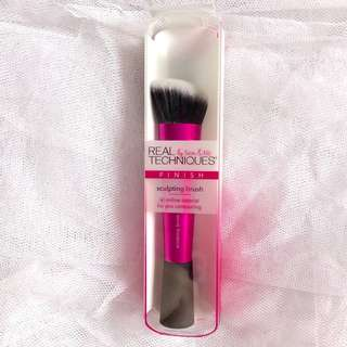 Real Techniques Sculpting Brush New look