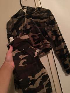 Velvet Camo matching set size small!