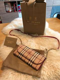 Burberry WOC
