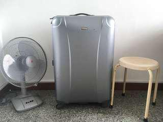 Samsonite 30 inch trolley luggage suitcase hardcase
