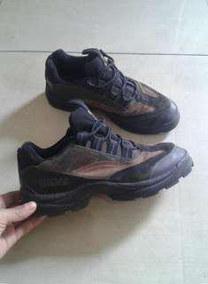 sepatu outdoor GIGA