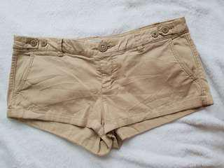 American Eagle Outfitters kakki shorty shorts