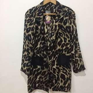 Cheetah/ leopard print light blazer