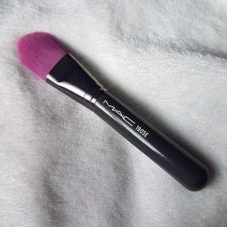Mac 190Se Foundation Brush in Pink