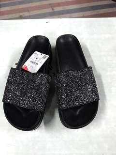 全新Bershka女裝拖鞋