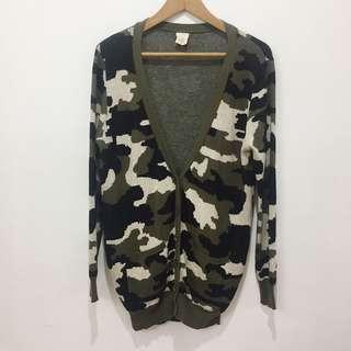 Camouflage print knit cardigan