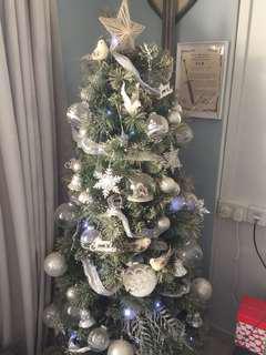 Decorated Xmas tree silver theme