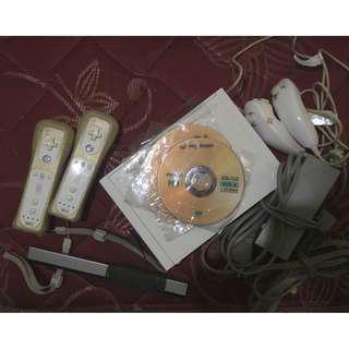 Nintendo Wii Bonus Games + 2 Wii Remote & 2 Nunchuck