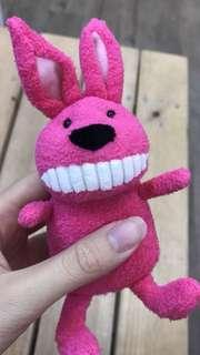 🚚 大牙娃娃 露齒娃娃 桃紅兔 娃娃 吊飾