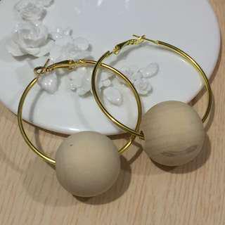 超大木珠圈耳環